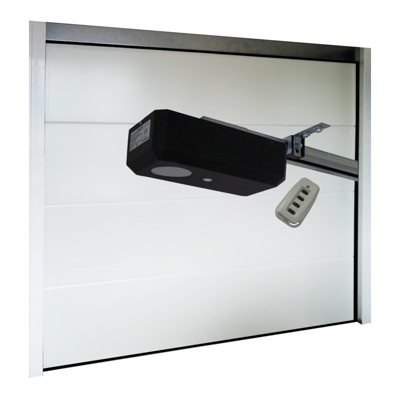 Porte de garage sectionnelle lisse blanche standard motoris e largeur 2400mm for Kovacic porte de garage prix